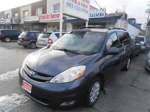 2006 Toyota Sienna LE Pwr sliding door Blue only 142,000km