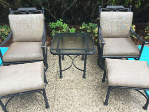 Cast aluminum buy or sell patio garden furniture in for Outdoor furniture kijiji