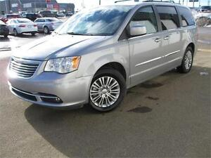 2014 Chrysler Town and Country Touring DVD!!! $153 Bi-Weekly