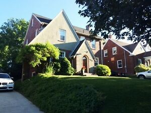 6913 Armview Ave, Halifax, NS – South End Executive Home