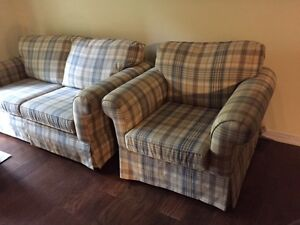 HIGH END LOVE SEAT & CHAIR FINAL REDUCTION FOR  XMAS Kawartha Lakes Peterborough Area image 5