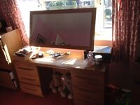 Dressing table with 6 drawers & mirror.