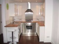 **Immaculate 1 bedroom upper flat in town centre, fully refurbished must see!!**
