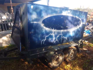 Trailer dual axle enclosed