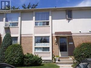 Bright and spacious 3 Bedroom Townhouse in a great location