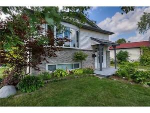 Beautiful raised bungalow in a very quiet neighborhood!