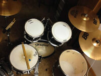 Complete drum kit with double kick sabian b8 cymbals
