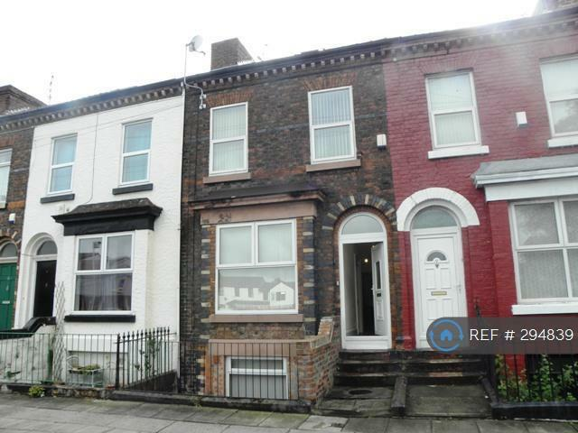 5 bedroom house in Thornycroft Road, Liverpool, L15 (5 bed)