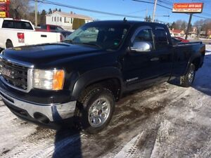 REDUCED 2010 CHEVROLET 8 FOOT BOX 4X4