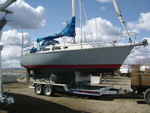 30 ft Sailboat sleeps six , fast cruiser/racer lowtime diesel