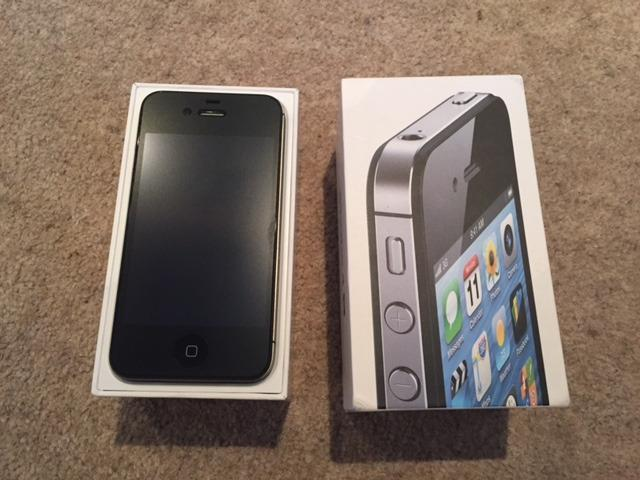 iPhone 4S 16GB, boxed and in mint condition This is an iPhone 4S 16GB ...