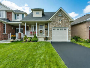 2+1 Bdrm Bungalow in North Oshawa For Sale W/ 2nd Kitchen!