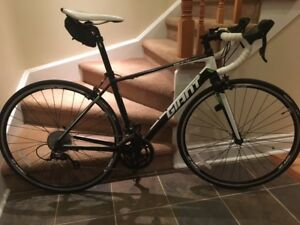 Giant Defy 3 Road Bike