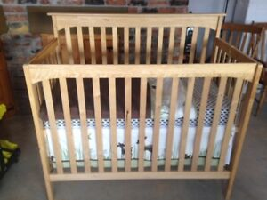 3 in 1 Convertible Baby Crib