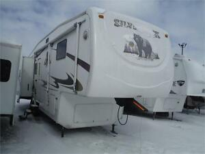 2006 Cedar Creek Silverback 30LSTS Luxury 5th Wheel - 3 slides