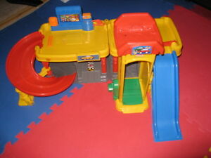 Little Tikes Car Play Set