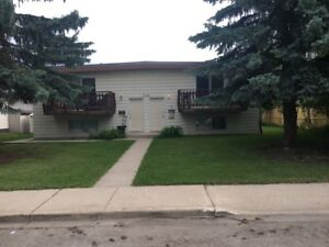 EASTVIEW- 2Bdrm Bi-level 6-Plex - 2 Bedroom Apartment for Rent
