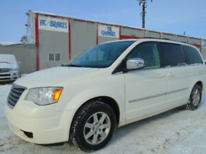 2010 Chrysler Town & Country TOURING--POWER SLIDING DOOR