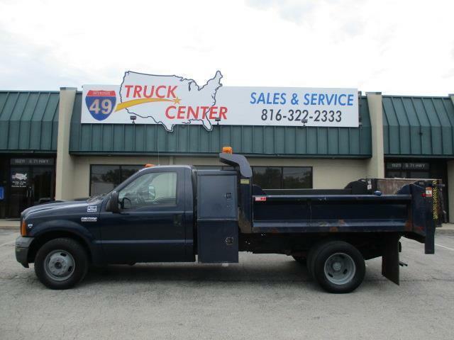 2006 Ford F-350 9' Dump Truck