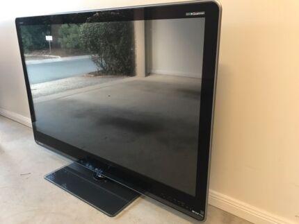sharp 80 flat panel tv aquos quattron 3d. 52 Inch Sharp LCD TV AQUOS 80 Flat Panel Tv Aquos Quattron 3d