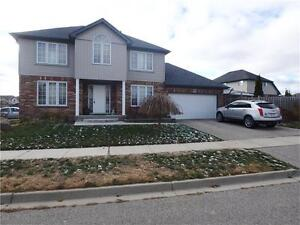 DETACHED home 3+1Bed/3bath DOUBLE Garage Aval Immediately!