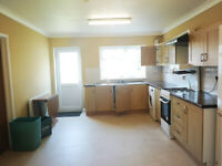 Double rooms available in a five bedroom located in Headington, close the Nuffield Hospital