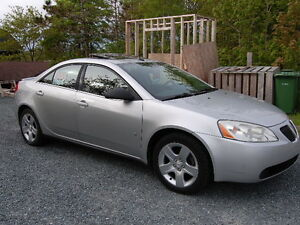 2009 Pontiac G6 SE Sedan - WITH POWER SUNROOF!