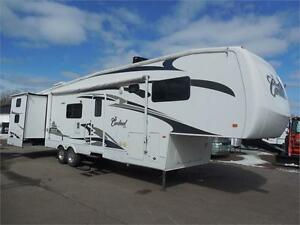 2007 Cardinal LE 36 - 2 Bedroom & 2 Bathrooms