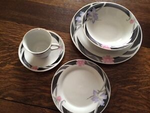 Dishes- set of 8