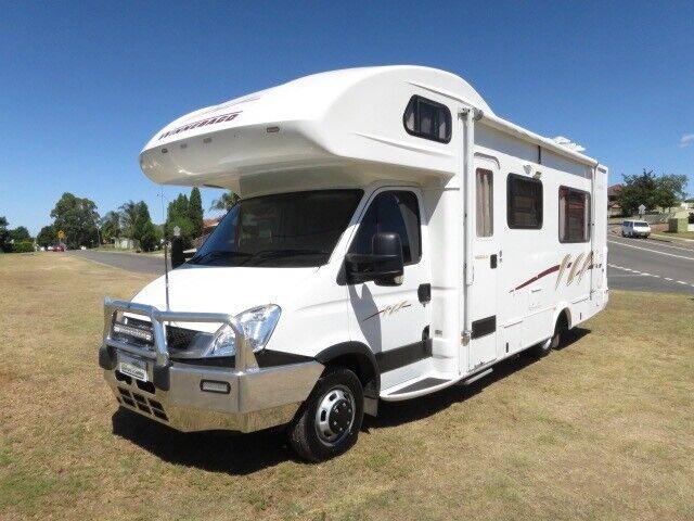 Winnebago Esperance – IMMACULATE – SLIDEOUT | Campervans