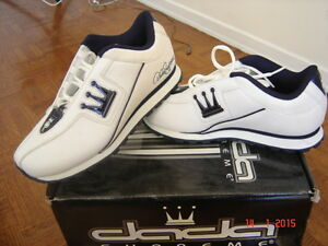 A brand new DADA shoes white& navy for women