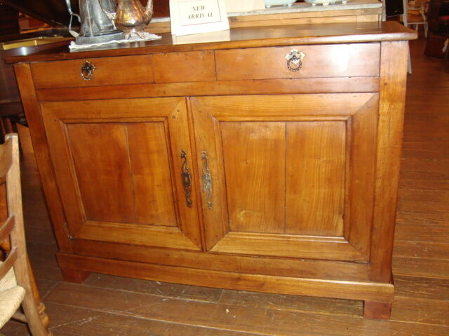 French 19th centur Louis Philippe period sideboard buffet, fruitwood, circa 1840