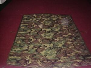 NEW GENUINE MILITARY WOODLAND CAMOUFLAGE WET WEATHER PONCHO LINER,BLANKET