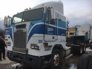 Looking To Sell: 1993 Freightliner FLA 120