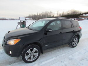 2010 Toyota RAV4 Sport: LOADED! HEATED LEATHER! SUNROOF!