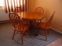 Pine Circular Dining Table and Four Chairs. Excellent Condition