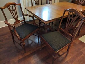 Antique 6 Chairs and Dining Room Table