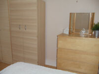 A BARGAIN MODERN LONDON STUDIO FLAT FOR 1 PERSON BILLS INCLUDED SEPARATE KITCHEN AVAILABLE NOW