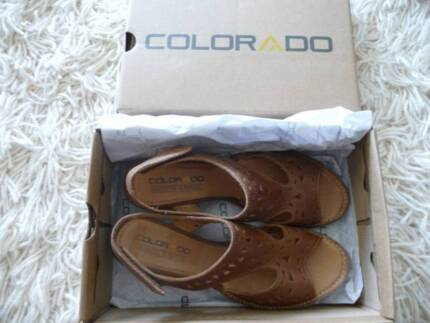 New Colorado Tan Shoes Size 8