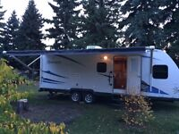 2013 Reminton 2200DS - 26' travel trailer