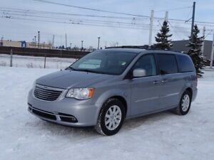 2013 Chrysler Town & Country TOURING Back-up Cam,  A/C,