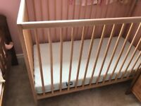 Quick sale Ikea Cot and mattress both only wants £25
