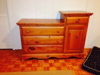 CHILD'S. Solid Wood changing table /dresser with Crib