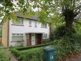 2 bed maisonette to rent in Cromwell Close, London N2 £ 1395 pcm