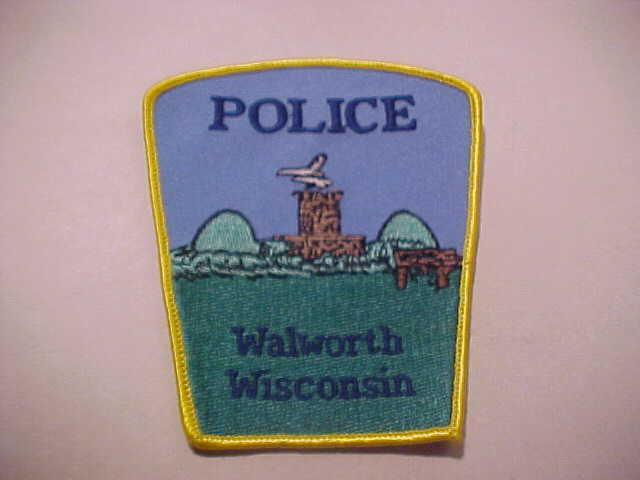 WALWORTH  WISCONSIN POLICE PATCH SHOULDER SIZE UNUSED **** t1