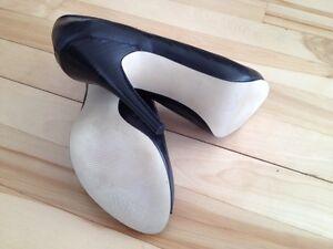 Chaussures neuves en cuir GUESS by Marciano NÉGOCIABLE West Island Greater Montréal image 6