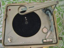 RETRO 1950'S PHILIPS AUTOSONIC DISK-JOCKEY RED/CREAM CASE, DETACHABLE LID SPEAKER. MAY WORK/PARTS