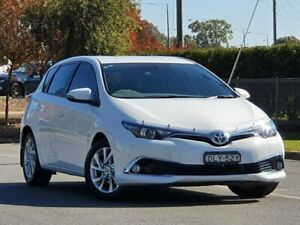 2015 Toyota Corolla ZRE182R Ascent Sport S-CVT White 7 Speed Constant Variable Hatchback Wodonga Wodonga Area Preview