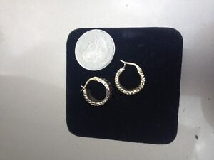 14 KT GOLD HUGGIE STYLE HOOP EARRINGS ATLAS ROMAN NUMERAL