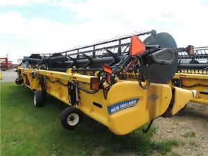 2012 New Holland 880CF-45' SuperFlex™ Draper, fits  CR/CX/AFX Regina Regina Area image 4